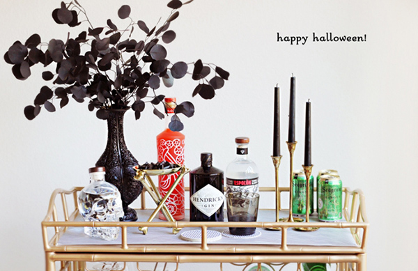 2. Ghoulish Libations. (via The EVERYGIRL)