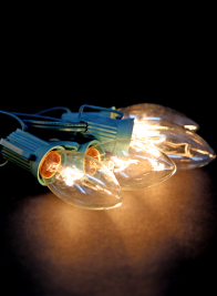 25 Clear C9 Light Set On Green Wire